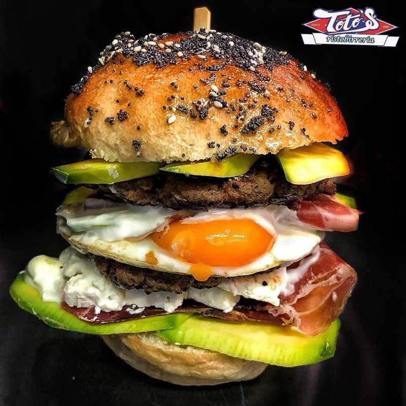 Toto's Pub - Hamburger Week